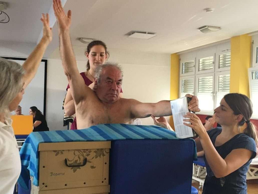 Therapie- und Rehabilitationsansatz von Bobath