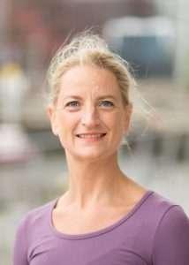 Miariam Wessels referiert zum Faszientraining