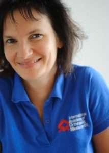 Birgit Auer informiert über IAOM